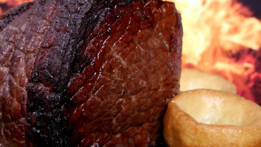 ROAST BEEF WITH CARAMELISED ONION GRAVY RECIPE by GORDON RAMSEY